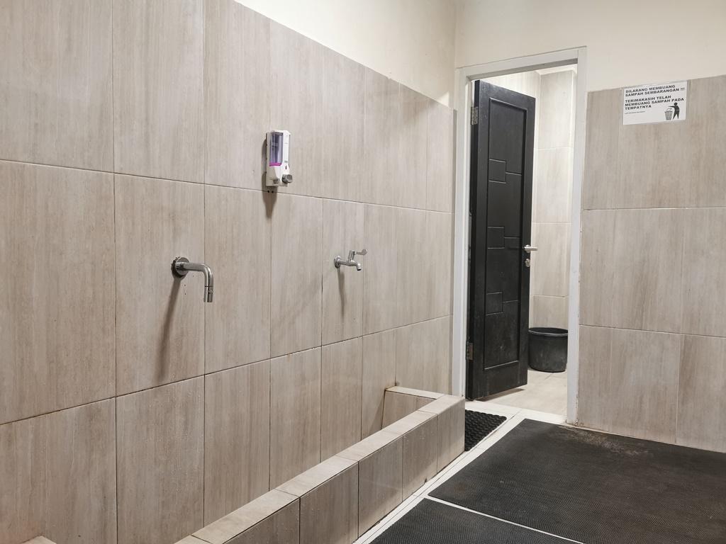 Tempat Wudhu dan Toilet
